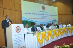 Dr. R.K.Singh, ADG (Commercial Crops), ICAR speaking during the inaugural session of the seminar.